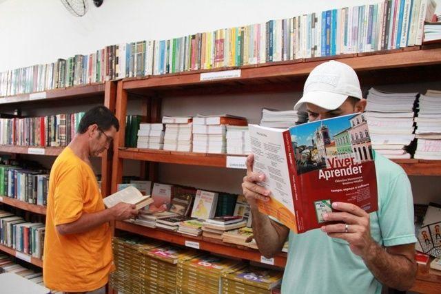 CRC possui biblioteca com mais de 400 exemplares, com acervo dividido entre obras jurídicas, literatura e livros didáticos
