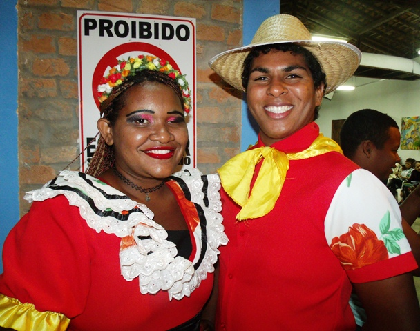 Alro e Dayane... Foto Celso Antunes