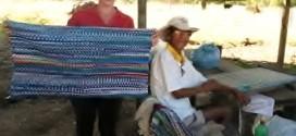 Grupo Juba doa peças de malha para cadeirante confeccionar tapetes