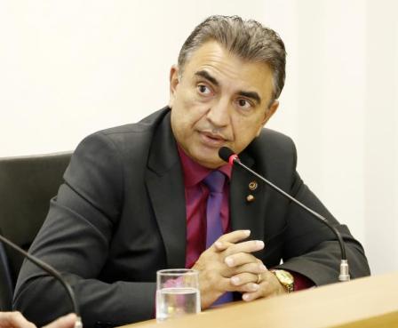 Deputado Cel. Taborelli preside a Comissão de Segurança Pública (Foto: JLSiqueira/ALMT)