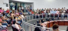 Vereadores votam contra Projeto de Lei que igualaria salário ao de Professores