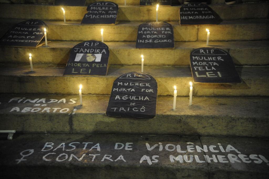 Protesto pelo fim da violência contra as mulheres