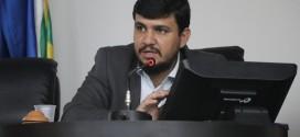 Projeto do vereador Claudio Henrique que dá prazo para o Executivo Municipal responder a indicações dos vereadores é aprovado em Sessão