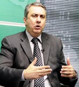 PROFESSOR ADRIANO SILVA, DEPUTADO ESTADUAL - FOTO DIVULGAÇÃO