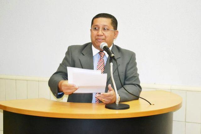 Edmilson Campos busca melhorias... - Foto Arquivo