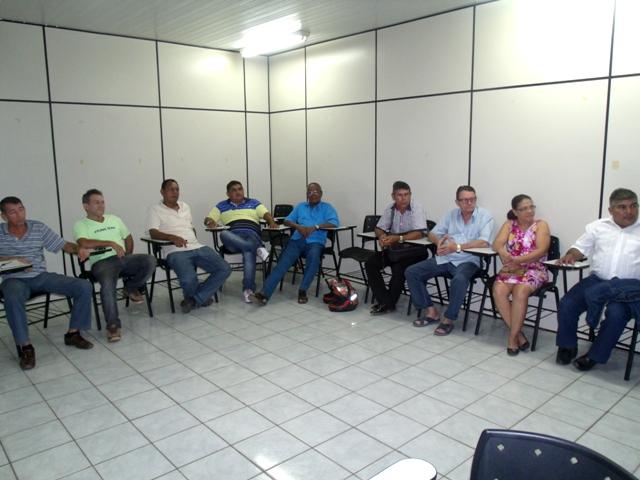 22 filiados ao PSC, ouvindo, analisando o pré-candidato do DEM - Foto Celso Antunes