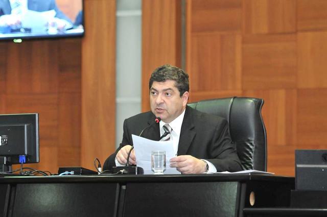 Presidente Guilherme Maluf em sessão plenária ordinária (Foto: Maurício Barbant/ALMT)